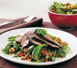 Salade d'agneau aux lentilles et aux épinards